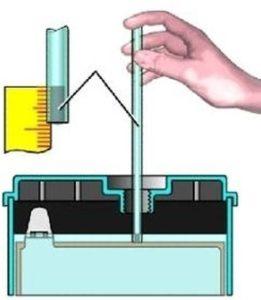 проверка плотности и уровня электролита в аккумуляторе