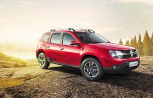 Renault Duster красного цвета