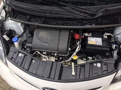 Капот Toyota
