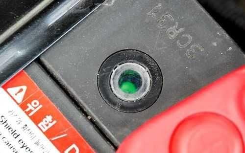 Встроенный индикатор автомобильного аккумулятора